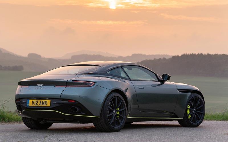 Фото Aston Martin DB11 AMR
