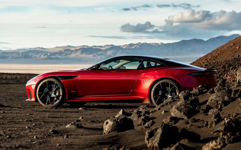Фото Aston Martin DBS Superleggera