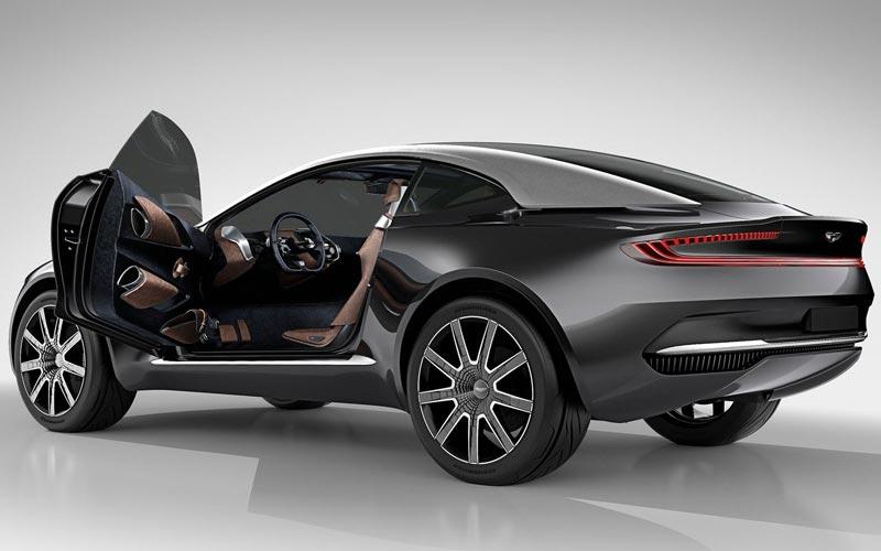 Фото Aston Martin DBX