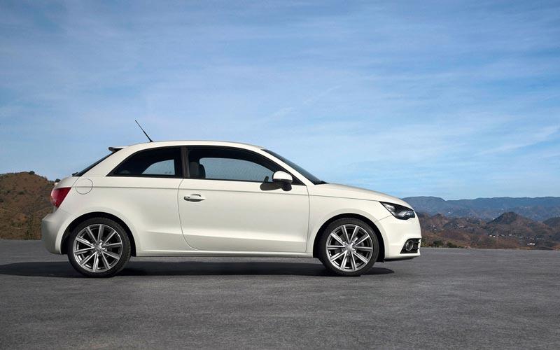 Фото Audi A1  (2010-2014)