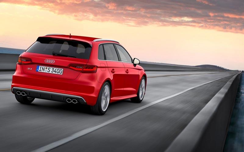 Фото Audi S3 Sportback  (2013-2016)