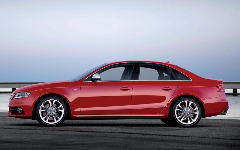 Фото Audi S4  (2008-2011)