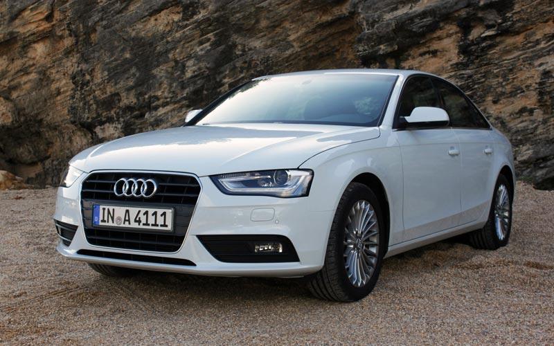Фото Audi A4  (2012-2015)