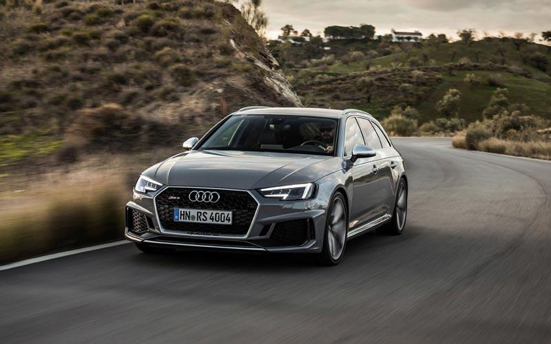 Фото Audi RS4 Avant