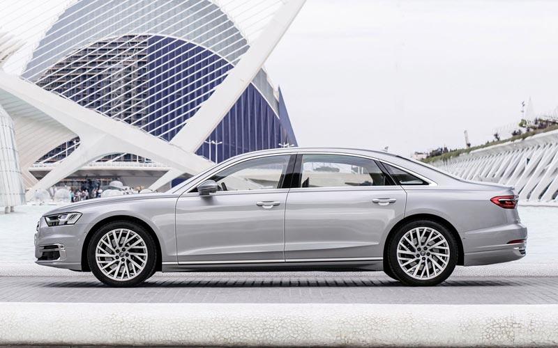 Фото Audi A8 L