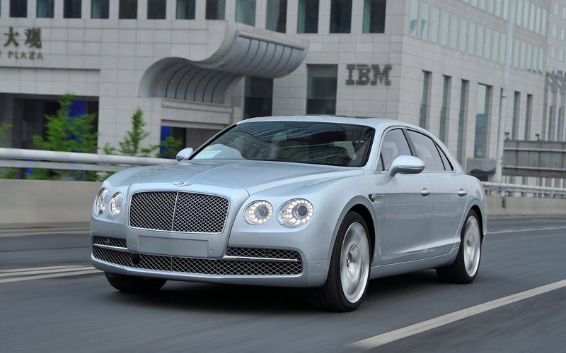 Фото Bentley Continental Flying Spur