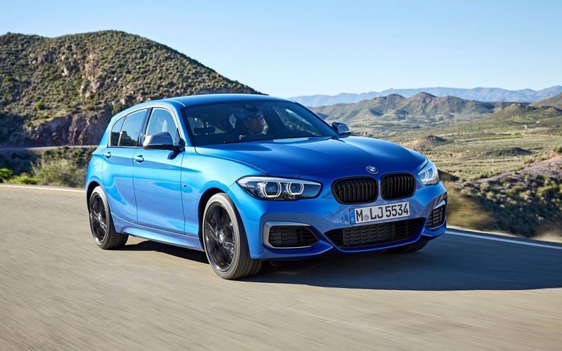 Фото BMW M140i