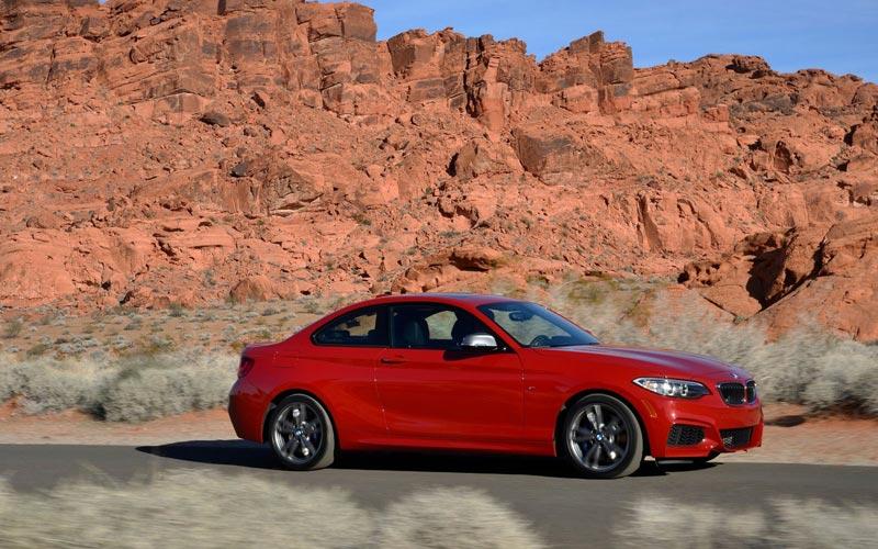 Фото BMW M235i
