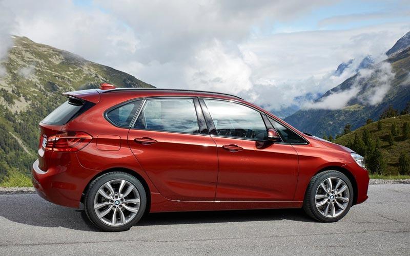Фото BMW 2-series Active Tourer