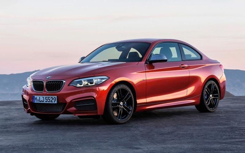 Фото BMW M240i