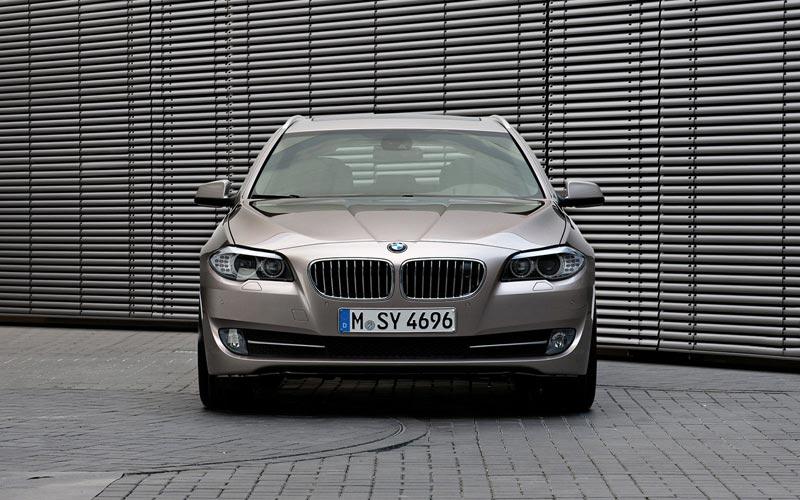 Фото BMW 5-series Touring  (2010-2013)