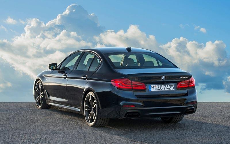 Фото BMW M550i xDrive