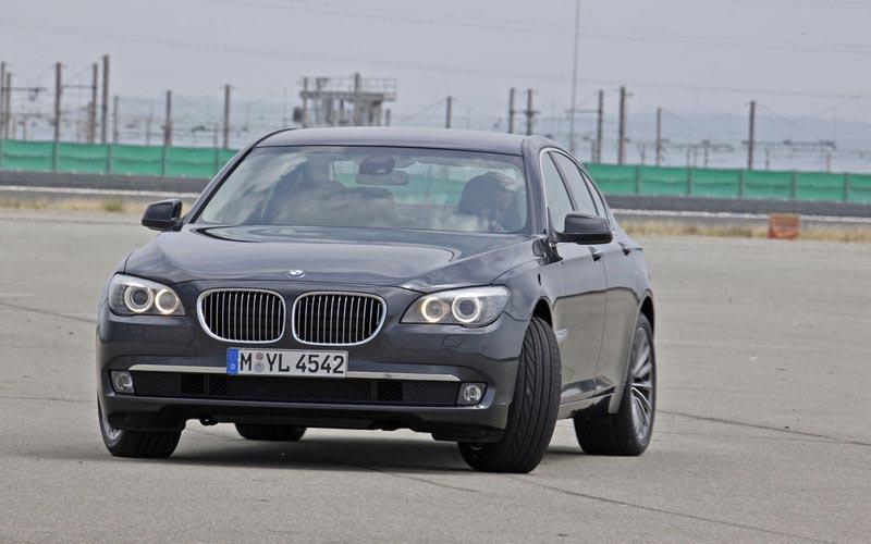 Фото BMW 7-series  (2008-2012)