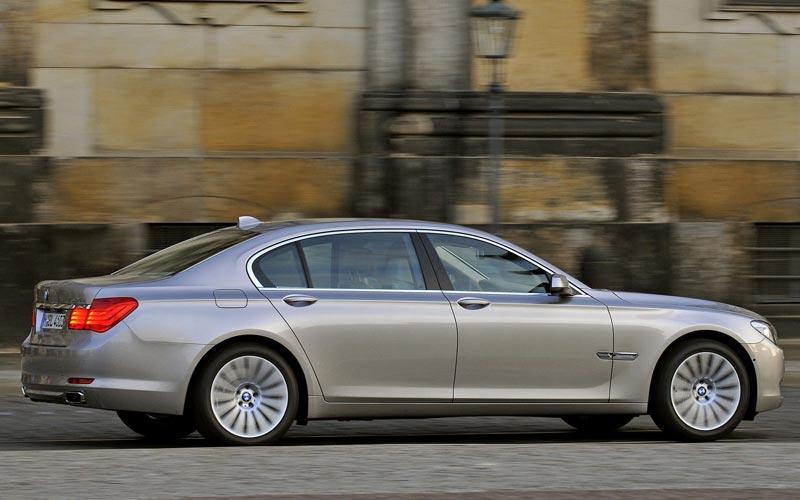Фото BMW 7-series L  (2008-2012)