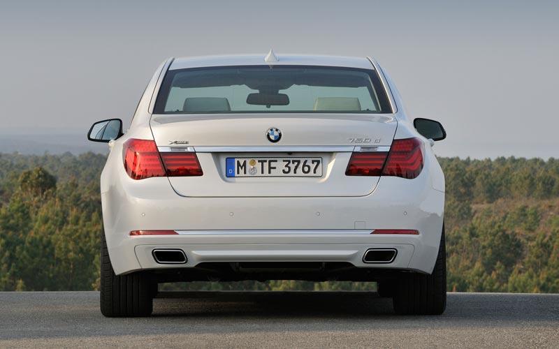 Фото BMW 7-series  (2012-2015)