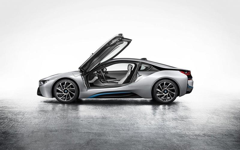 Фото BMW i8