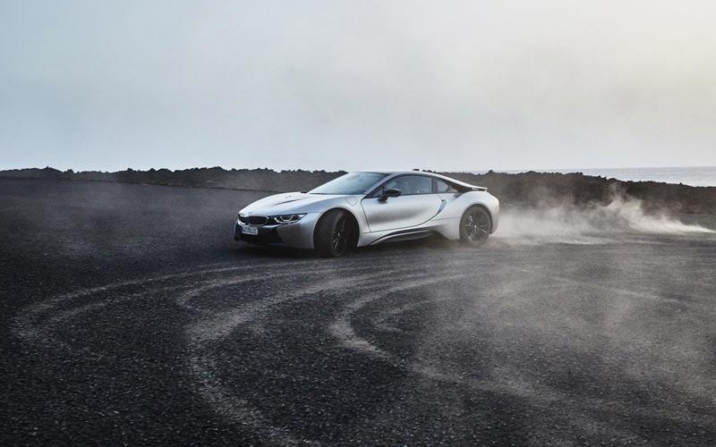 Фото BMW i8 2018