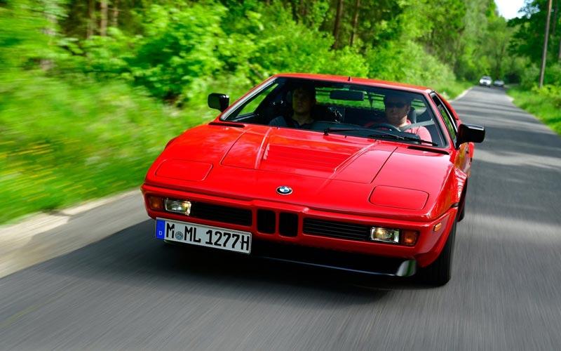 Фото BMW M1