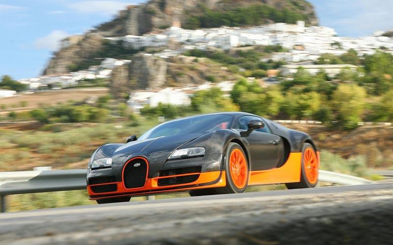 Фото Bugatti Veyron 16.4 Super Sport