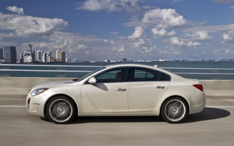 Фото Buick Regal GS