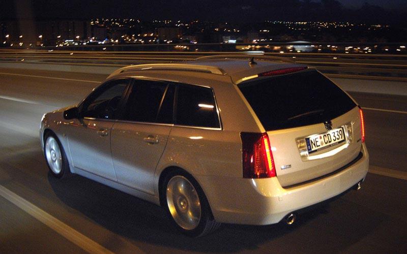 Фото Cadillac BLS Wagon