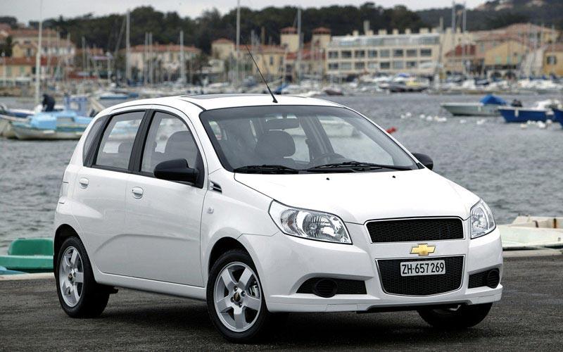 Фото Chevrolet Aveo  (2008-2011)