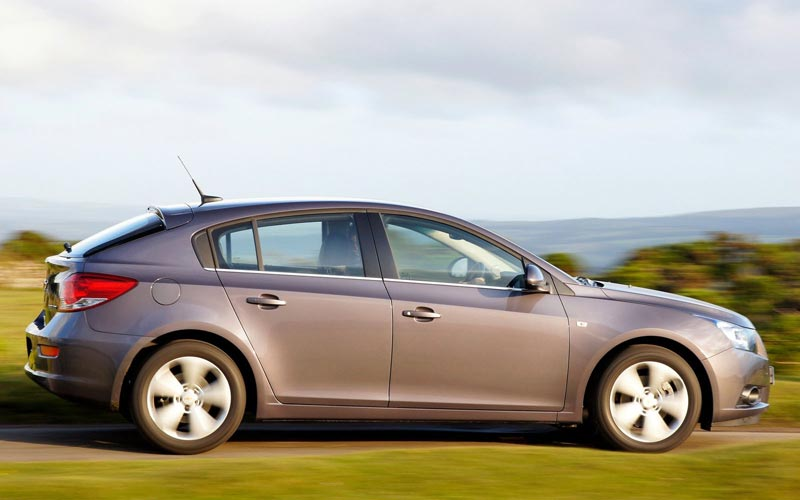 Фото Chevrolet Cruze Hatchback  (2011-2016)