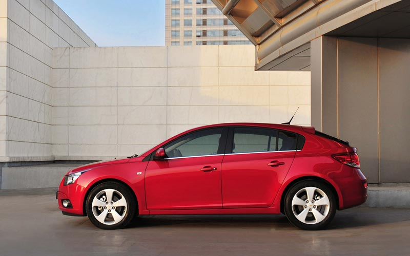 Фото Chevrolet Cruze Hatchback  (2011-2015)