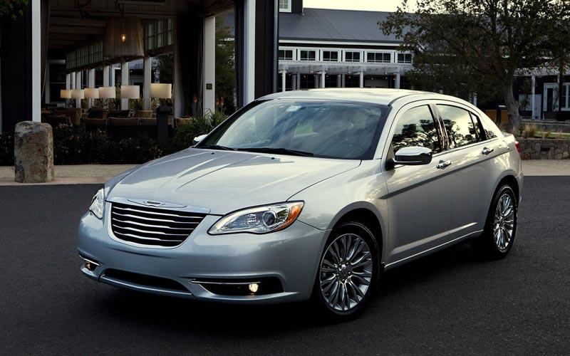 Фото Chrysler 200  (2011-2014)