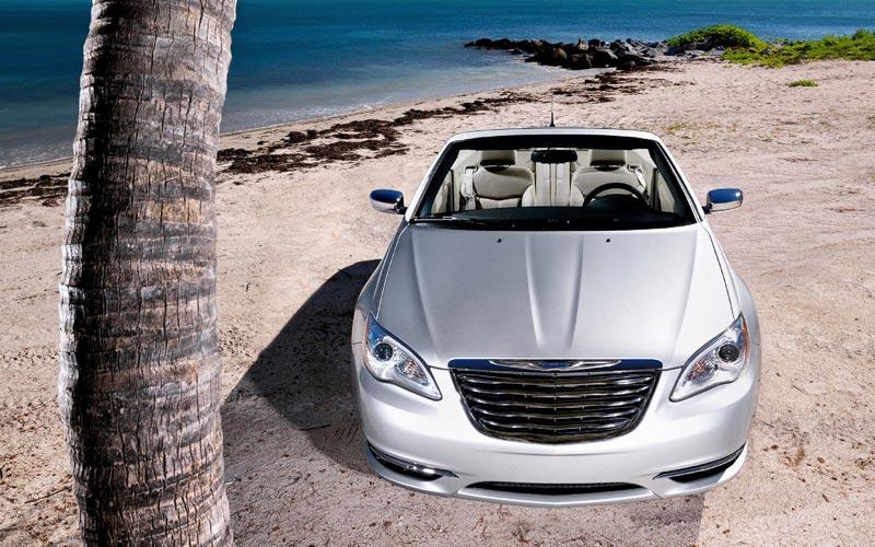 Фото Chrysler 200 Convertible