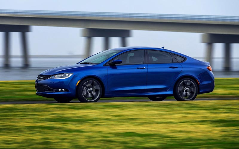 Фото Chrysler 200