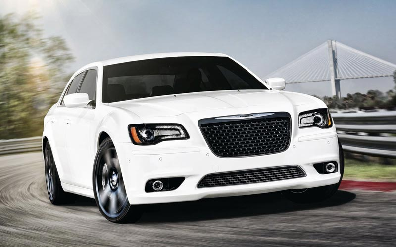 Фото Chrysler 300 SRT-8