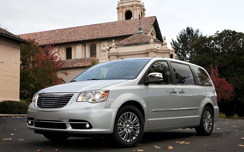 Фото Chrysler Town & Country