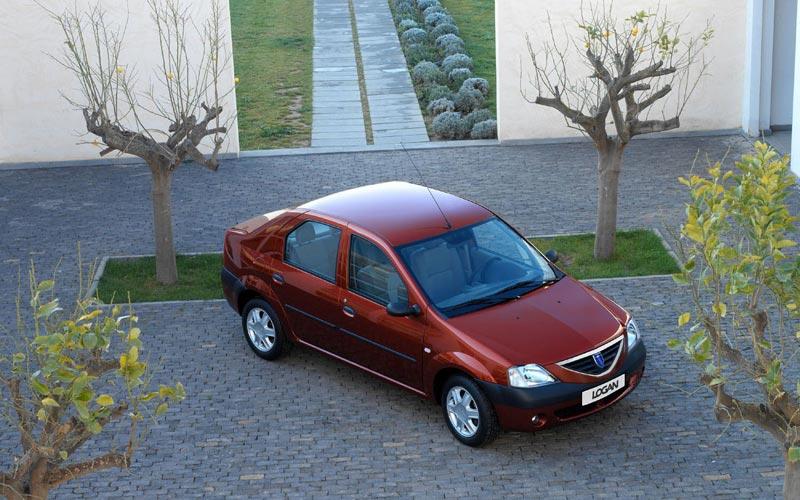 Фото Dacia Logan  (2004-2008)
