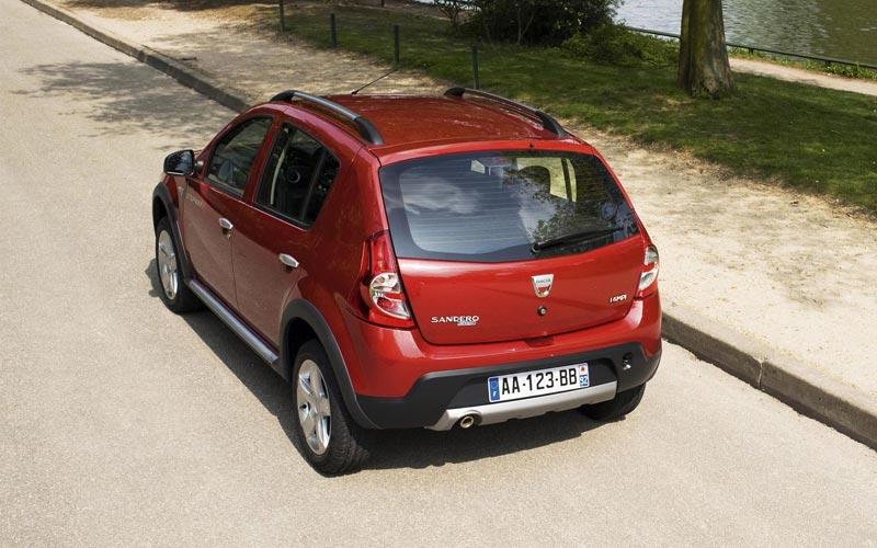 Фото Dacia Sandero Stepway  (2009-2012)