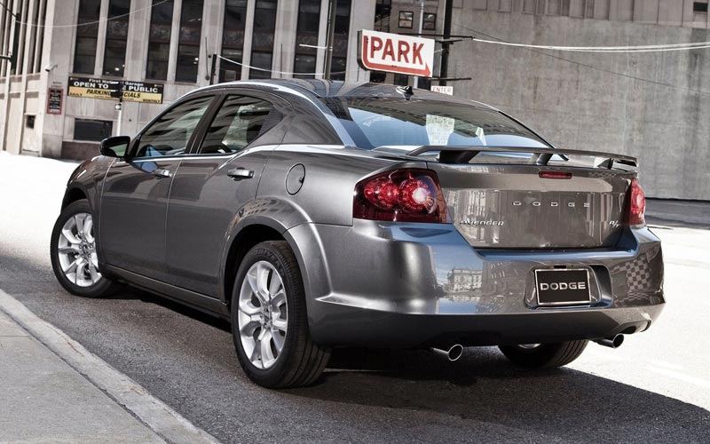 Фото Dodge Avenger RT