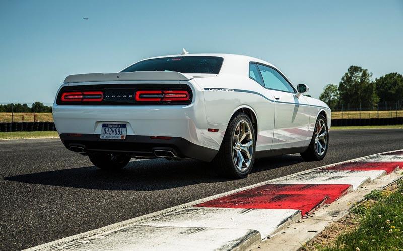 Фото Dodge Challenger