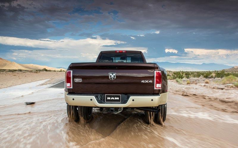 Фото Dodge Ram 2500