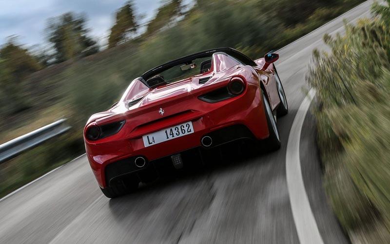 Фото Ferrari 488 Spider