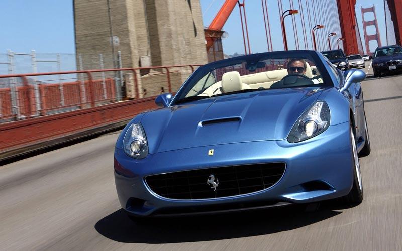 Фото Ferrari California