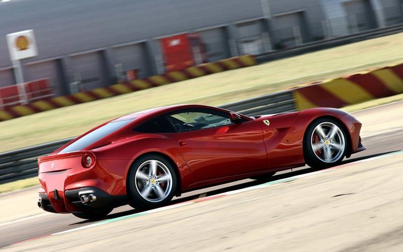 Фото Ferrari F12berlinetta