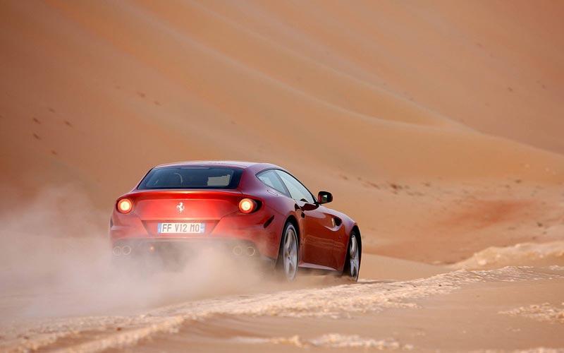 Фото Ferrari FF  (2011-2015)