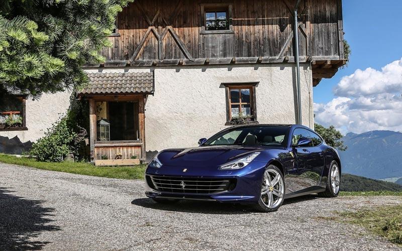 Фото Ferrari GTC4 Lusso