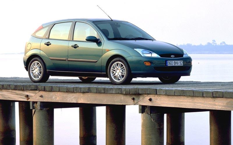 Фото Ford Focus  (1998-2005)