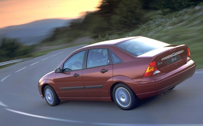 Фото Ford Focus Sedan  (1998-2005)