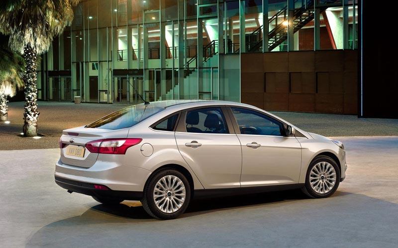 Фото Ford Focus Sedan  (2011-2014)