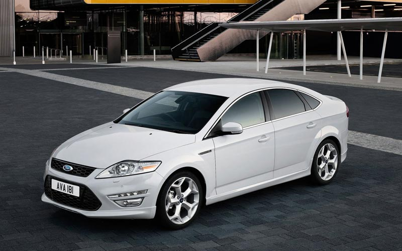 Фото Ford Mondeo Hatchback  (2010-2014)