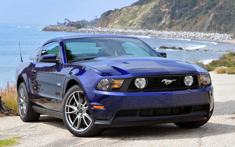Фото Ford Mustang  (2011-2013)