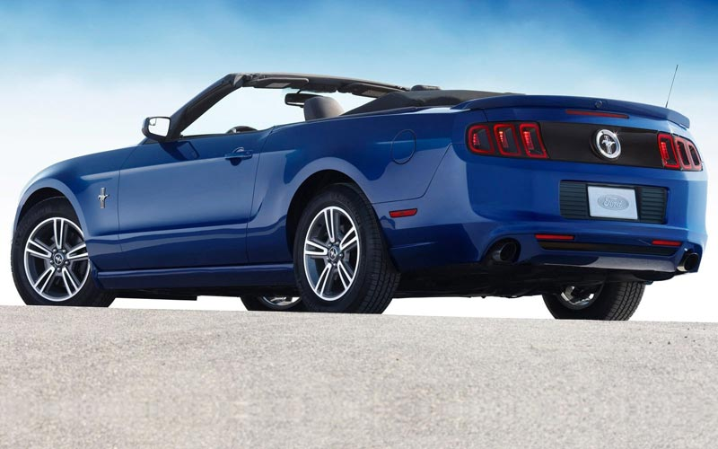 Фото Ford Mustang Convertible  (2011-2013)