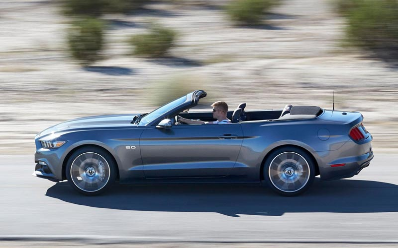 Фото Ford Mustang Convertible  (2014-2017)